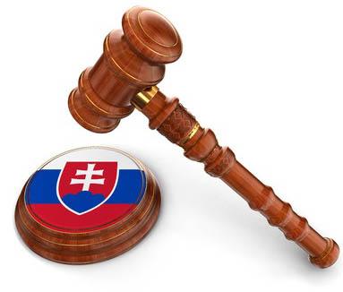 Soudcovske kladivko s vlajkou Slovenska
